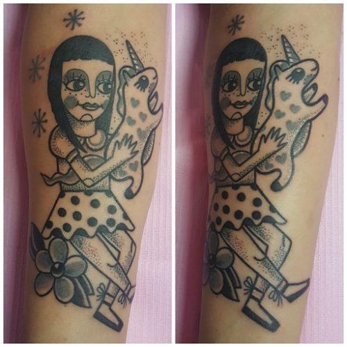 Tatuaggio Bambina Old School