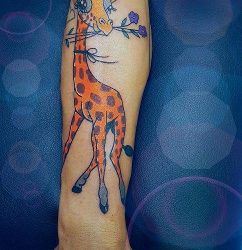 Tatuaggio new school giraffa Modena