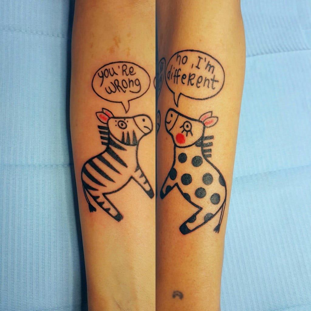 Tatuaggio zebra con scritte